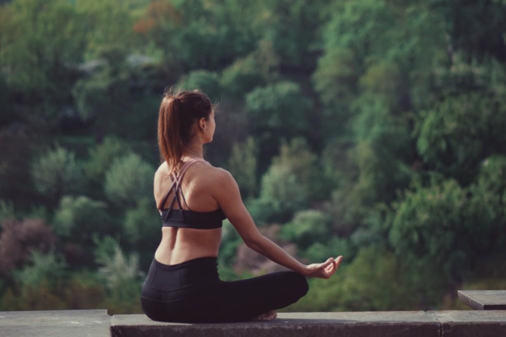 Il Completo Yoga per la donna con effetti cosmetici